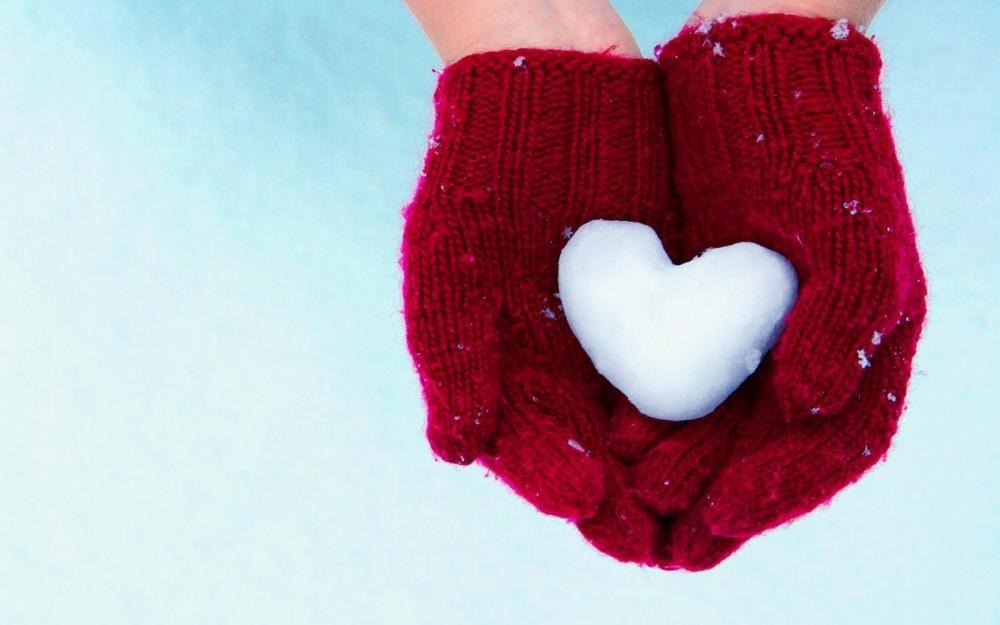 Hands Gloves Heart Snow Winter